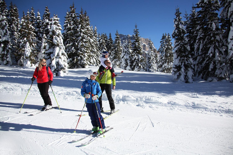 famiglia.alleghe.ski