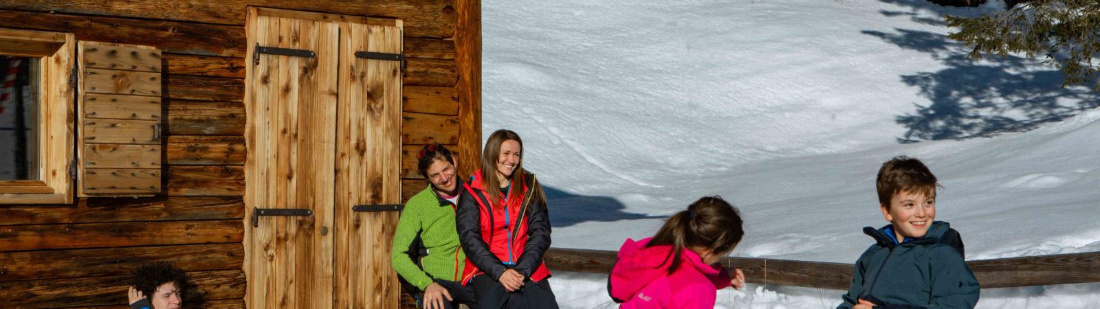 Bambini sulla neve: abbigliamento e attrezzatura da sci